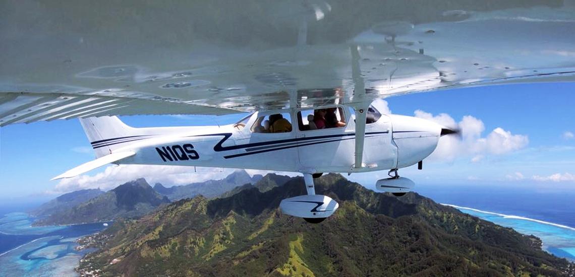 https://tahititourisme.es/wp-content/uploads/2017/08/C3P-Cessna-above-Moorea.jpg