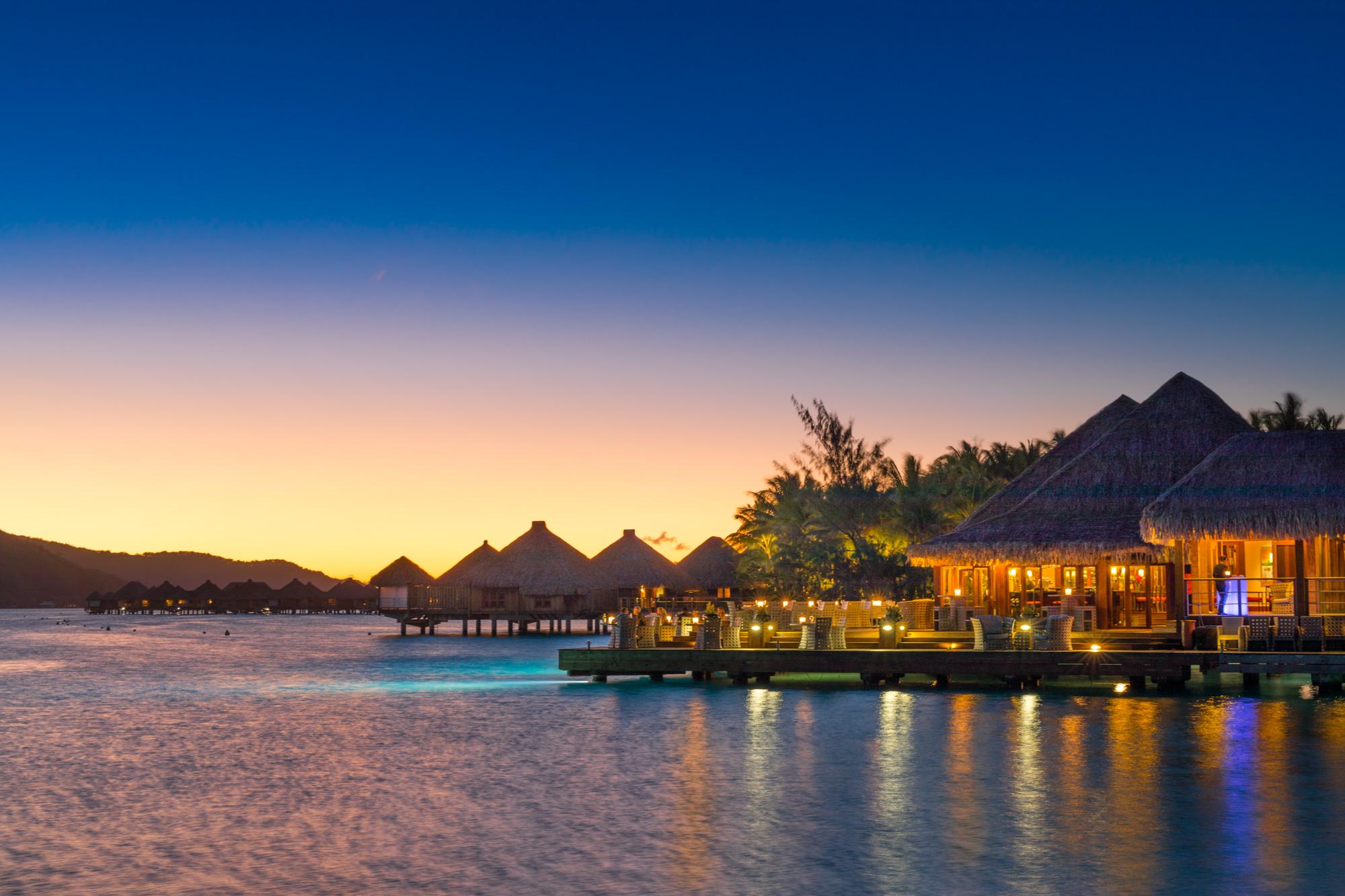 https://tahititourisme.es/wp-content/uploads/2017/08/Lagoon-Restaurant.jpg