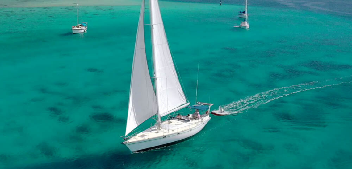 https://tahititourisme.es/wp-content/uploads/2017/08/SailingHuahineVoile_11401x550.png