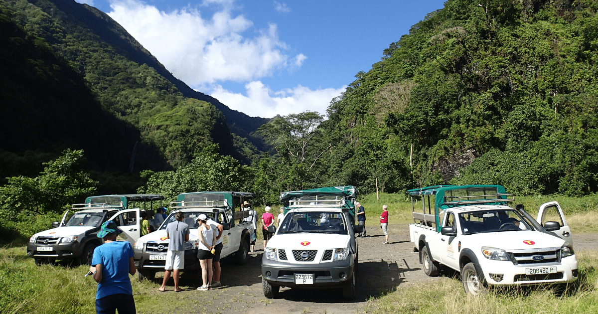 https://tahititourisme.es/wp-content/uploads/2017/08/TahitiSafariExpeditions2_1140x550-min.png