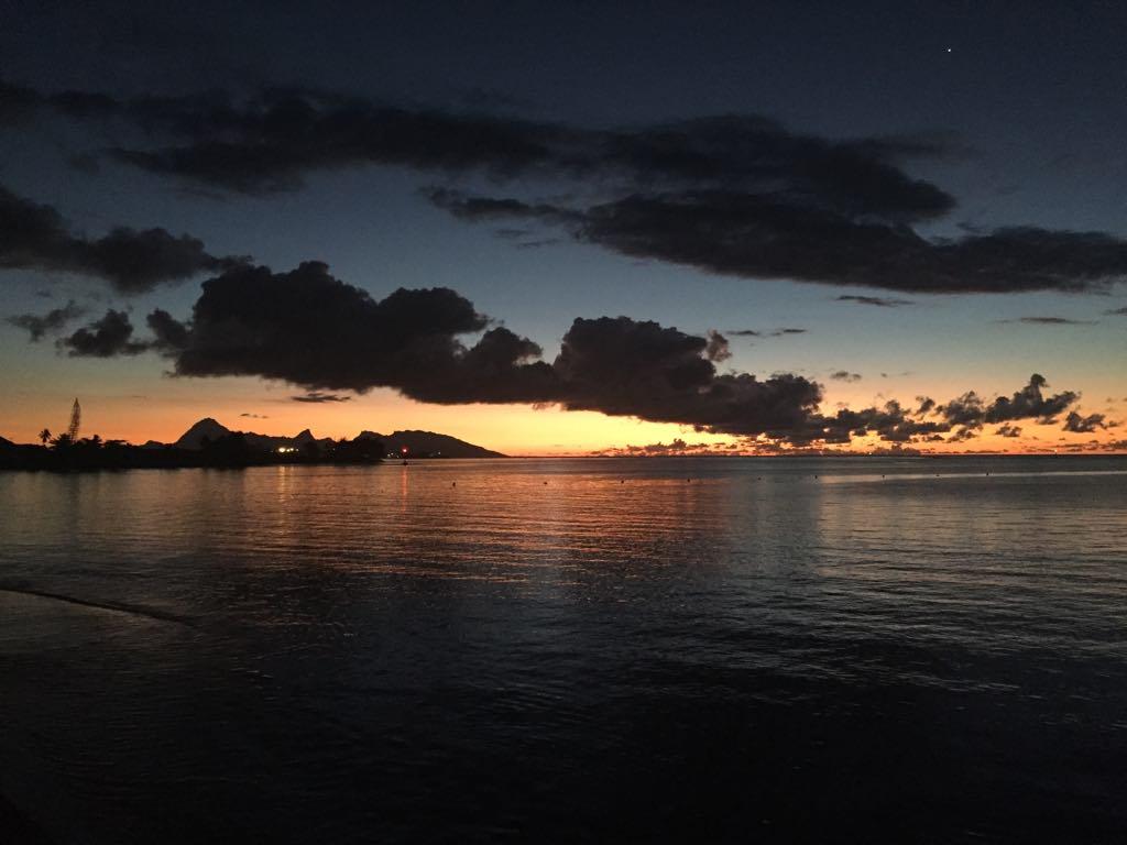 https://tahititourisme.es/wp-content/uploads/2017/09/Mer-coucher-de-soleil.jpg