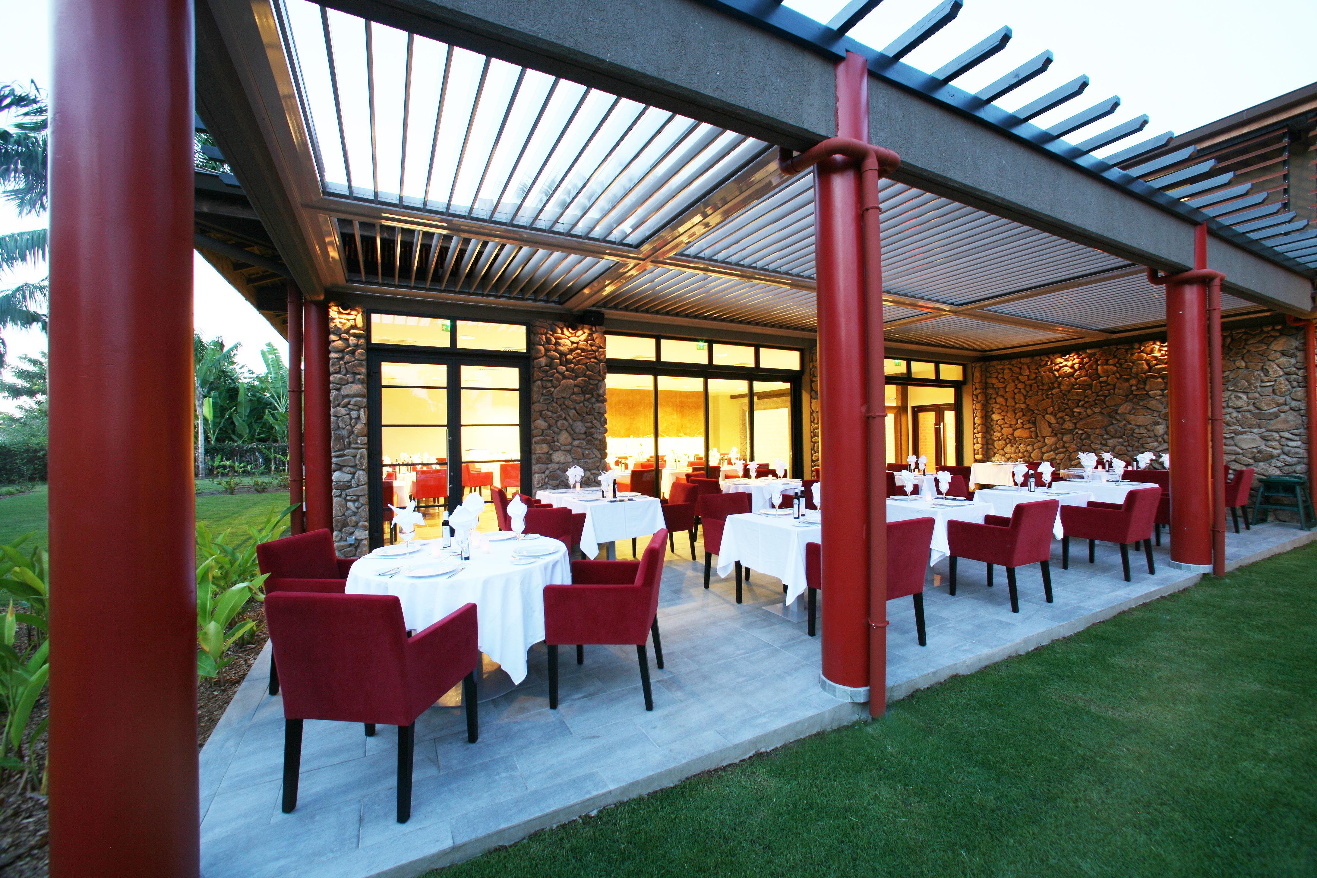 https://tahititourisme.es/wp-content/uploads/2018/03/RESTAURATION-Vaitohi-Restaurant-1.jpg