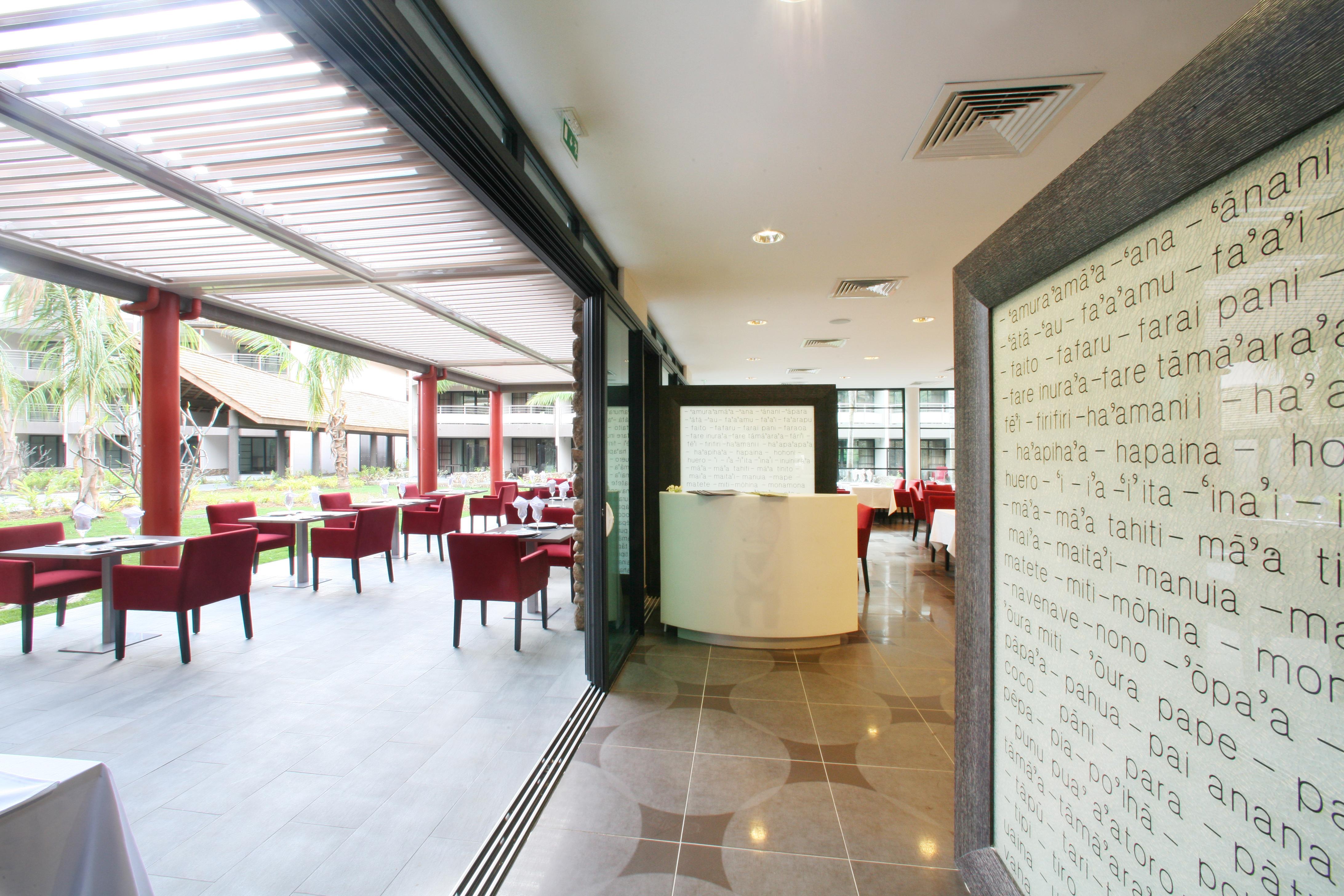 https://tahititourisme.es/wp-content/uploads/2018/03/RESTAURATION-Vaitohi-Restaurant-3.jpg