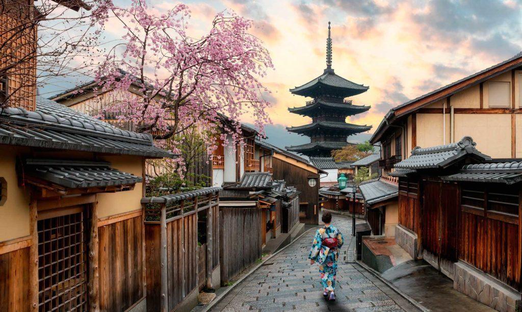 https://tahititourisme.es/wp-content/uploads/2019/04/kioto_portada.jpg