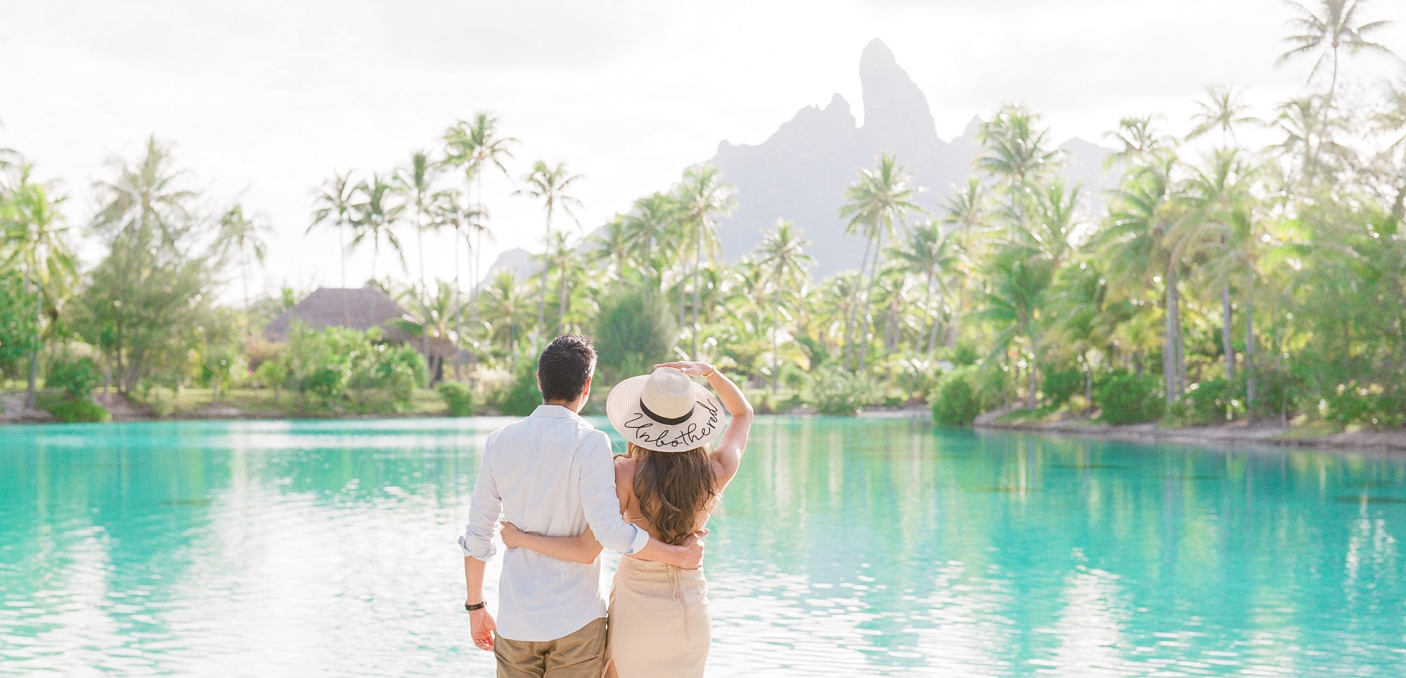 https://tahititourisme.es/wp-content/uploads/2021/04/PCP-Bora-Bora-Photographer-St-Regis-Honeymoon.jpg